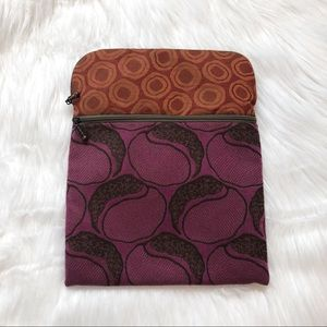 🎃 Maruca Boulder Patterned Clutch Pouch